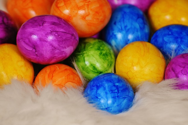Colorful Dyed Eggs (Children's)